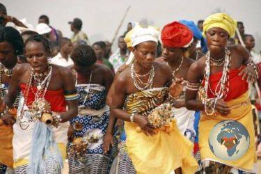 À chaque peuple sa religion : si l'Europe est de culture Judéo-chrétienne, si l'orient, aujourd'hui se réclame de culture islamique, l'Afrique est de quelle culture ? « L'Afrique est de culture Vaudou » allons révéler au monde ce patrimoine si riche, si intense, si beau ... (VIDÉO)