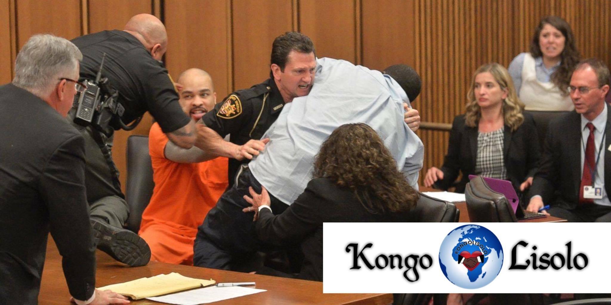 Un père attaque le tueur de sa fille à la cour ... (VIDÉO)