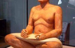 Vraiment pathétique, l'Occident fabrique ses propres statues pour falsification maladive de l'histoire égyptienne à propre son gré