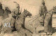 חיל הפרשים של אפריקה הקיסרית: האימפריות הגדולות של אפריקה הקיסרית, שנשמרו על ידי שריון אביר חזק, לא יכלו לקנא באלה של האירופים שאבניהם היו כמעט זהים לאבירים האירופיים: