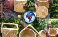 Cet homme africain a fabriqué une glacière en bois