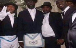 Liberia : George Weah de footballeur à président, il parle de sa vie, de ses parents & des difficultés de son enfance à Monrovia ... (VIDÉO)
