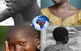 La scarification en Afrique noire : très vieille tradition datant au moins du XVIIIème siècle, la scarification (Haabré en langue Ko) est un rituel qui consiste à inciser la peau à l'aide d'une lame, une pierre, un morceau de miroir ou un couteau bien aiguisé. Ensuite, on recouvre la plaie de beurre de karité, de suc ou cendres de plantes médicinales ou de boue, et on laisse se former les motifs sur la peau