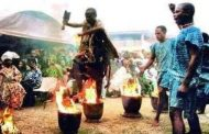 Les Blancs et les Arabes savent pourquoi ils diabolisent les pouvoirs, les spiritualités négro-africaines que nos ancêtres ont pu dissimuler et apporter avec eux dans le reste de l'Afrique noire après la mise à sac de Kemet / Egypte par les envahisseurs perses en - 525