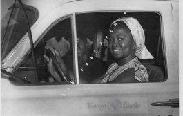 Victorine Ndjoli, comme étant la première Congolaise à avoir eue un permis de conduire, elle est aussi la première Congolaise à avoir conduit une voiture à Léopoldville dès 1955, dans un milieu dominé par les hommes