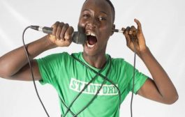 Moussa Petit Sergent, humoriste Burkinabés, a mis en évidence et en caricature, un phénomène qui gangrène la jeunesse togolaise: le « Tramazole » du vrai nom le « Tramadol » ... (VIDÉO)