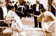 Un des rares vestiges de l'esclavagisme : la reine Elizabeth II et le Roi George saluant la dynastie salomonienne - Maison de David « Sa Majesté Impériale » Empereur Haïlé Sélassié Ier