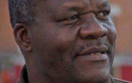 Devoir de mémoire : voici un des « libérateurs » de votre pays, « Roger Lumbala » un membre de l'opposition, impatient et à la gâchette facile ... Il ose prétendre être libérateur du Congo ? ... De qui se moque-t-il ?? ... (Audio)