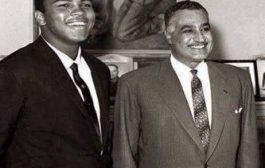 Gamal Abdel Nasser Hussein (arabe : جمال عبد الناصر حسين), né le 15 janvier 1918 à Alexandrie et mort le 28 septembre 1970 au Caire, était un homme d'État égyptien ...  Grand Nationaliste et Panafricaniste qui s'est toujours battu pour le mouvement des non alignés durant la guerre froide