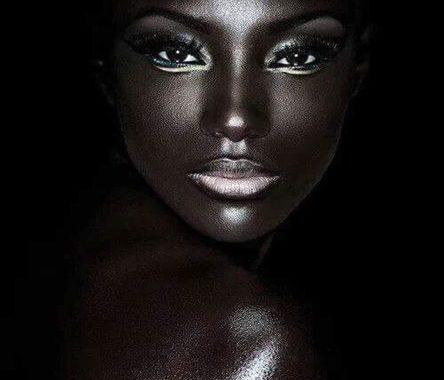 La beauté Noire/Africaine : est la seule et unique beauté au monde qui est naturelle et sans concurrent « Rien n'est plus rare que ce qui est unique »