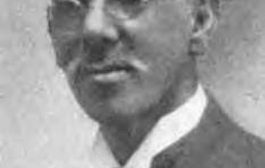 Dr José Celsio Barbosa (né le 27 juillet 1857 à Bayamón, et mort le 21 septembre 1921 à San Juan) était un docteur, sociologue et activiste politique afro-portoricain (père du mouvement de l'indépendance de Porto Rico), il était aussi le premier Portoricain à recevoir un diplôme médical aux Etats-Unis