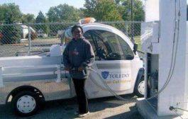 Sandrine Ngalula Mubenga, née en RDC, inventrice d'une voiture hybride : Sandrine rend une voiture électrique hybride en y intégrant, une pile à combustible à hydrogène. La voiture créée roule en utilisant l'hydrogène comme carburant et le courant direct ... ( Audio )