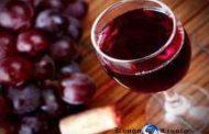 Le vin aggraverait les symptômes de la sclérose en plaques : une étude américaine a révélé que le resvératrol, un composant présent dans le vin, serait susceptible d'aggraver les symptômes de la sclérose en plaques
