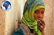 Les Noirs du Yémen, les marginalisés, les intouchables du Yémen: ils s'appellent eux-mêmes « Muhammasheen » Ou « Les marginalisés », un groupe ethnique noir qui se trouve depuis des siècles, se retrouve au plus bat de l'échelle sociale du Yémen, confronté à la discrimination et au racisme, et méprisé par les autres groupes