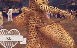 Ekang - les arts traditionnels des jeunes Fang/Beti (sculpture en matière végétale) : ça c'est l'œuvre d'un génie africain ; notre expression de nos vies doit être affichée sous forme physique