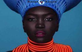 """दक्षिण सूडान की सुंदरता: दक्षिण सूडानी के न्याकिम गैटवेच को """"द क्वीन ऑफ डार्कनेस"""" उपनाम दिया गया है क्योंकि उनकी त्वचा बहुत गहरे काले रंग की है """"वह दक्षिण सूडानी आयु वर्ग का अमेरिकी मॉडल है, जो एक्सएनयूएमएक्स है"""""""