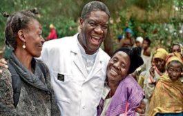 Fariinta dhakhtarka mucjiso; Denis Mukwege oo ka tirsan dadweynaha Congo: Gacaliye qaali ah, dhalinyaro qaali ah, gabdhaha iyo riyooyinka, badbaadadayada iyo sidoo kale awooddeena in aan dhisno mustaqbal wanaagsan waa mid midnimo ... (VIDEO)