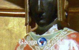 Votre Aide - Camée Isiaque de la Vierge Noire ? Voici Notre-dame du Puy en Velay, c'est une copie de celle qui fut détruite à la Révolution aux cris de « A bas l'Égyptienne »