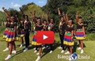 Le groupe sud-africain « Ndlovu Youth Choir » a décidé de partager des astuces pour éviter Covid-19: ne touchez pas votre visage, lavez-vous les mains, n'allez pas chez le médecin, appelez-le ... (VIDÉO)