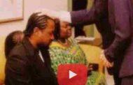 Pathétique :mêmeles pasteurs chinois viennent bénir les Noirs/Africains en Afrique « Lecréateurest indigné par l'ignorance et l'idiotie desNoirs/Africains»SeulslesNoirs/Africainssont dans le sommeil ... (VIDÉO)