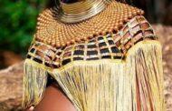 """Määritä mustan / afrikkalaisen kauneuden lippulaiva: määritelläksemme mustan / afrikkalaisen kauneuden lippulaivan, emme mene kokonaan, vaan se johtuu tästä """"Mielikuvitus, asenne, moraali, ylevät teot, hyvät aikomukset, ajatukset Henki ja toiminnan valinta, hengelliset arvot ja kulttuuriperintö """""""