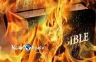 Les mensonges Bibliques dont on ne vous parle pas : la Bible est inspirée des mensonges qui grouillent en son sein, la liste ne serait même pas exhaustive si on les citait un à un; néanmoins, voici les plus gros mensonges de la Bible rien qu'en se basant sur l'Évangile de Jésus-Christ, selon Jean en comparaison avec les autres passages de la Bible