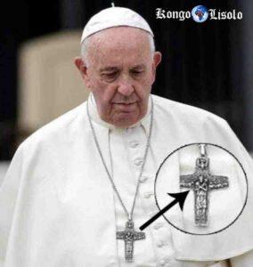 पोप फ्रांसिस पूजा करते हैं और ओसिरिस की पूजा करते हैं?