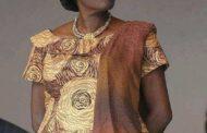 Ивуарийская красавица: Симон Гбагбо, спасла ли она своего мужа Лорана Гбагбо от непоправимого? Популярная поговорка гласит: «За великим джентльменом стоит великая леди»; Первая леди Кот-д'Ивуара Симона Бадгбо должна была быть там, чтобы худшее не случилось с ее мужем