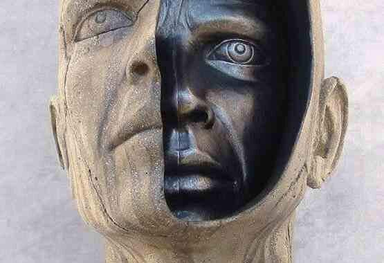 ההתפתחות הפנימית של האדם: האדם הוא כמו אבן גסה, אותה מעצבים מבפנים; התפתחותה תלויה בעבודתה שנעשתה במישור המקומי; כי מה שחיים מתפתח מבפנים