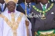 Devoir de mémoire : le feu et l'eau peuvent-ils se marier ? Voici la sosie de José Eduardo dos Santos, ancien président angolais, franc-maçon et évêque catholique sur cette photo « Certaines personnes s'interrogent sur une telle relation »