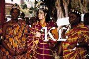 """स्मरण का कर्तव्य: एमॉन और पश्चिम अफ्रीका के राजा सानी के रूप में माइकल जैक्सन का राज्याभिषेक """"वह इस सम्मान को इतना प्यार करता था कि उसने अठारह साल के शासनकाल में अपने कबीले के साथ करीबी संबंध बनाए रखा।"""