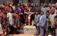 L'aliénation des Bamilékēs: l'adhésion tardive de ce peuple conservateur aux religions monothéistes a été une aberration qui continuera à nuire à ce peuple délaissé par ses ancêtres fâchés « Voilà un peuple jadis fier; un peuple que les colons évangélistes n'ont pas réussi à convertir au Cameroun »