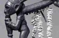 À l'origine de la constitution multiple de l'homme : des temples de l'Égypte antique aux bois sacrés de l'Afrique Noire jusqu'au « KA » et le « BA » chez les anciens Égyptiens en passant par le « NIA et le DIA », chez les Bamanans, nous constatons que nos ancêtres Négro-Africains de l'Égypte ancienne sont les premiers à avoir donné un schéma plus détaillé de la personnalité humaine dans toutes ses composantes tant visibles (mortelles) qu'invisibles (immortelles); leur savante observation de l'Homme va au-delà de la dualité classique âme-corps