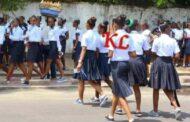 Congo-Kinshasa : les lycées seraient les plus touchées par la pandémie du VIH/SIDA; à en croire plusieurs témoignages incroyables, « Le VIH/SIDA sévit et fait des ravages dans les lycées de la République Démocratique du Congo (RDC); contrairement aux universités, les lycées sont souvent moins focalisées lorsqu'il s'agit de lutter contre le VIH/SIDA; tel est le cas de la RDC »