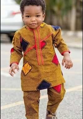 La beauté Noire/Africaine : quelle inspiration pour les enfants Noirs/Africains ? Chaque enfant sur terre a le droit ainsi que le devoir de s'inspirer de l'histoire de ses ancêtres; et il doit en être ainsi pour les enfants Noirs/Africains