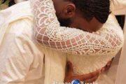 Почему черные / африканские женщины выходят замуж в белых платьях? Вместо красных или черных платьев ?? Остается вопрос