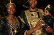 La beauté Noire/Africaine : la prise de conscience des Noirs/Africains de leur situation dominée sera la base d'une grande révolution que les Occidentaux risqueront de ne pas maîtriser; pour un Européen, un Noir/Africain consciencieux est plus dangereux que n'importe quel type d'arme épuisqu'il ne peut plus céder à leurs stratégies manipulatrices